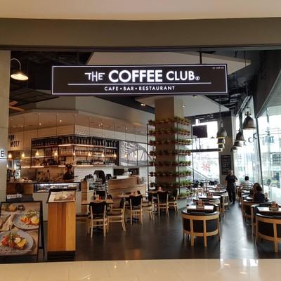 หน้าร้าน ที่ ร้านอาหาร The Coffee Club Riverside Plaza