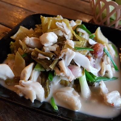 ป้าทิ้งซีฟู๊ด (Pah Ting Seafood) ริมแม่น้ำตาปี
