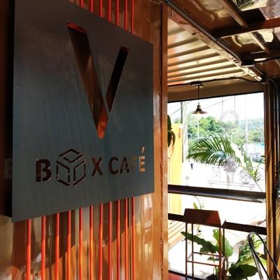 V Box Cafe