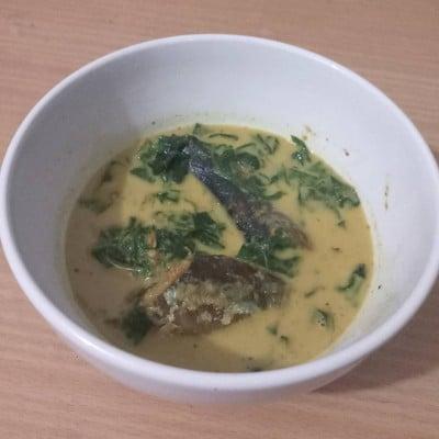 แกงปลาซาบะย่างใบชะพลู