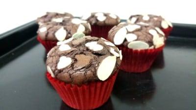 """""""บราวนี่"""" ดาร์กช็อกโกแลต Dark Chocolate Brownie"""