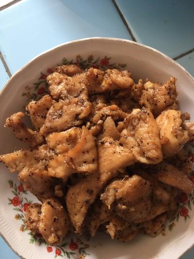 หมูไก่ทอดกระเทียมพริกไทย