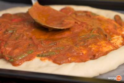 วิธีทำ พิซซ่าต้มยำไส้กรอก