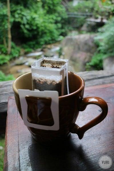 กาแฟแม่กำปองของที่นี่