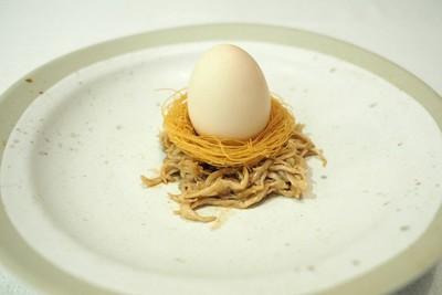 ไก่กับไข่