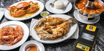 """[รีวิว] แหลมเจริญซีฟู้ด ร้านอาหารทะเลต้นตำรับ """"ปลากะพงทอดราดน้ำปลา"""""""