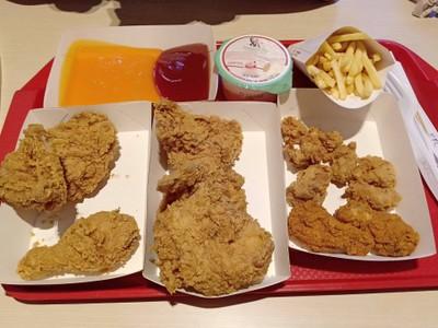 KFC (เคเอฟซี) ทวีกิจซุปเปอร์เซ็นเตอร์