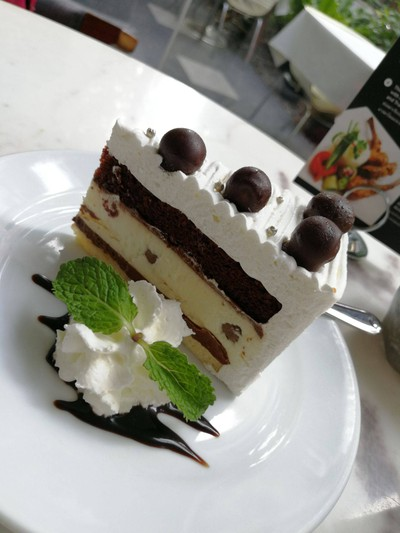Chocolate Maltesers Cake