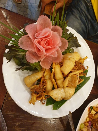 อาหารมะม่วงคู่ (MAMUANG KHU RESTAURANT)