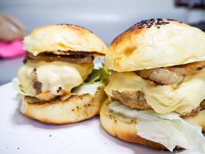 Caramelized Onion& Cheesy Pork Burger