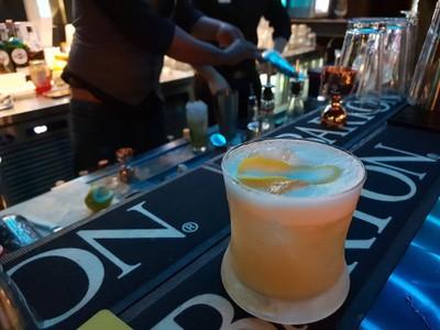 Maitai • สั่งไหมไทยแก้วแรก เค้าว่าเป็นเหล้าสามตัวผสมกัน รสชาติถือว่าดี หอมเปลือกส้มนิดๆ ที่ ร้านอาหาร Happy trees Bistro&bar