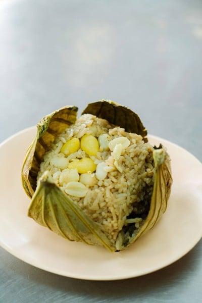 ข้าวห่อใบบัวลุงชู (ดั้งเดิม)