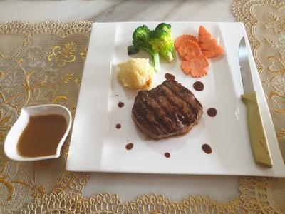 Steak เชฟอั๋น มวกเหล็ก