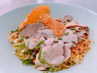 ก๋วยเตี๋ยวหมู นายแก้ว บางกรวย (Nai Kaew Pork Noodle Soup)