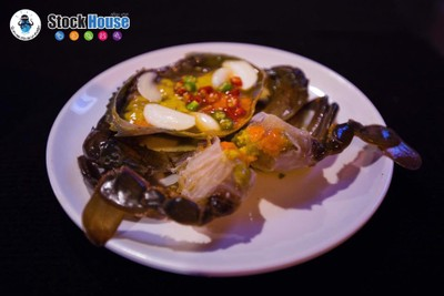 """ูปูไข่ดองน้ำปลากู สูตร """"เทวดาเข้าฝัน"""" เนื้อปูเค็มกำลังดี ไม่มีความคาว"""
