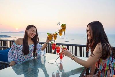 Horizon Rooftop Restaurant & Bar, Hilton Pattaya (ห้องอาหารและบาร์ฮอไรซัน)