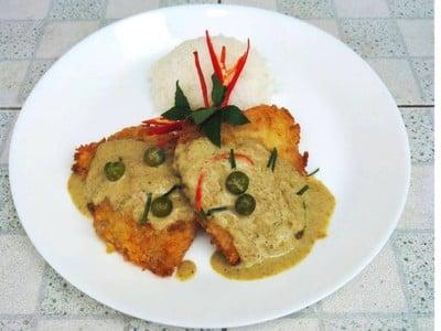 ปลาทับทิมทอดซอสเขียวหวาน 🐟
