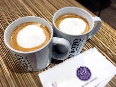 Mezzo Coffee (เมซโซ่) เกตเวย์ บางซื่อ