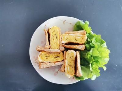 Tamagoyaki sandwich