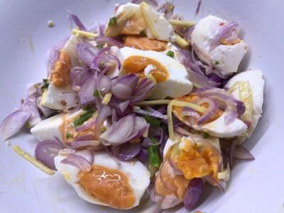 คีโต - ยำไข่เค็ม