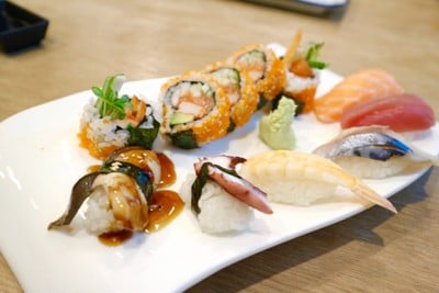 Aroi Maki&Sushi Craft (อร่อย ซูชิ) สมอโพรง