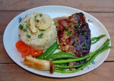 ปลากะพงย่างซอสเทอริยากิ + ข้าวผัดกระเทียม