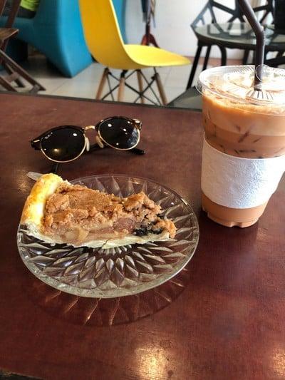 คาเฟ่เมซามิ (CAFE' MES AMIS)