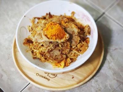 ผัดมาม่าไข่ไม่ล้าง Fried Noodle Salted Egg