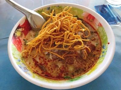 ข้าวซอยแสงเพียร (Khao Soi Saeng Phian Restaurant)