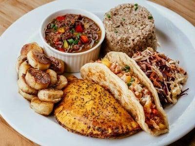 Jamaican Eatz W District Market