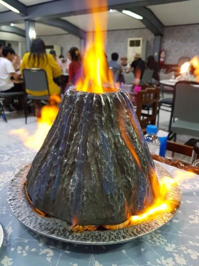 กุ้งอบภูเขาไฟ