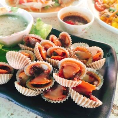 ส้มตำชานชาลา วัดป่าเลไลยก์ (ชานชาลา)