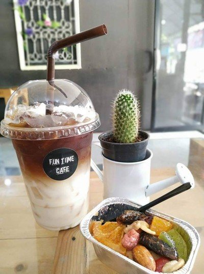 Funtime Cafe ท่าม่วง