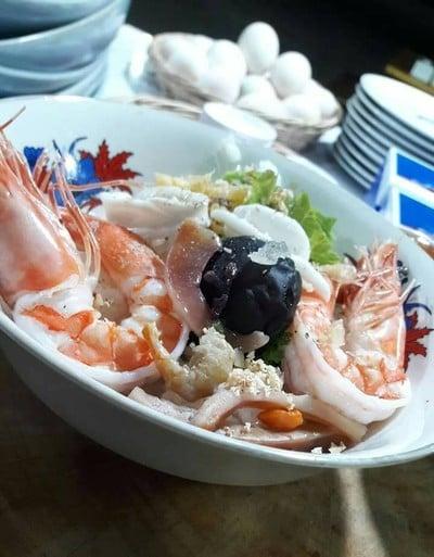 ข้าวต้มปลาชลบุรีบางแสนหนองมน สาขา5นครสวรรค์