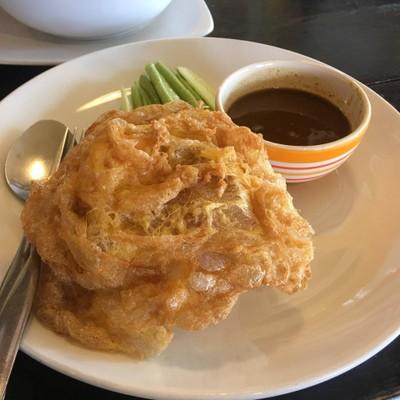 ข้าวไข่เจียวแกงไตปลา