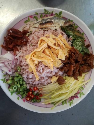 ข้าวคลุกกะปิ+ปลาทู