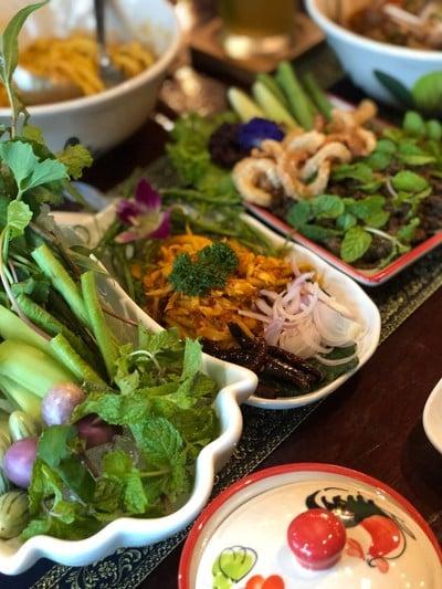 ร้านอาหารเหนือ เฮือนนิภา (Huan Nipa) สาขา1