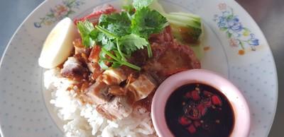 พรชัยลูกชิ้นปลา (PHON CHAI FISHBALLS RESTAURANT)