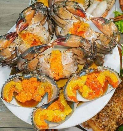 ปูไข่ดอง เดลิเวอรี่ by Queen Crab