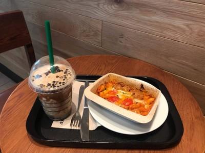Starbucks (สตาร์บัคส์) เอไอเอ แคปปิตอล เซ็นเตอร์