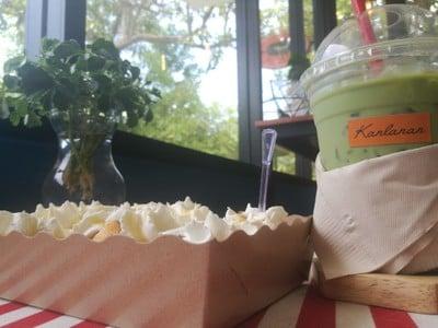 ชาเขียวเย็น + ปังวิป