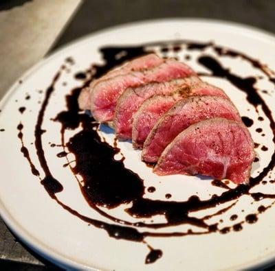 Omi Beef OKAKI Since 1839