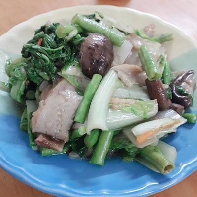 วิธีทำ ผัดผักใส่ปลาเส้น