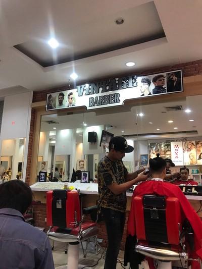 Moya Hair Design ชั้น 2 ซีคอน