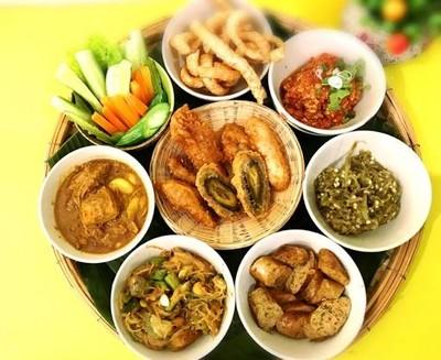 เฮือนตั้งจิตร อาหารเหนือหม้อดิน (Tnagjit House) สวนพลู1