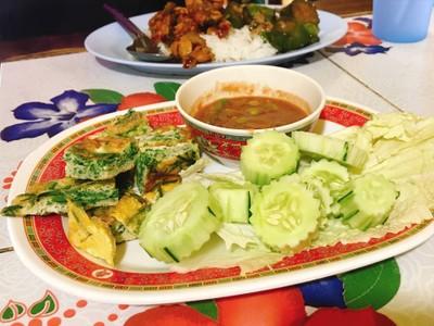 ข้าวแกงลุงไทย (Lung Thai Restaurant) หน้ากองบิน 41