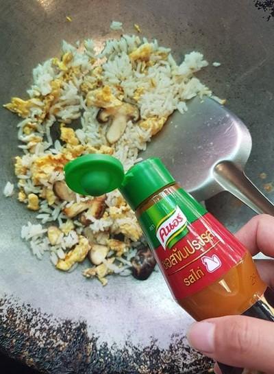 วิธีทำ ข้าวผัดเห็ดหอมใส่ไข่