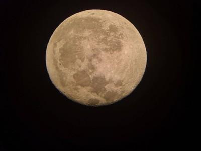 ดวงจันทร์ ถ่ายจากกล้องดูดาว