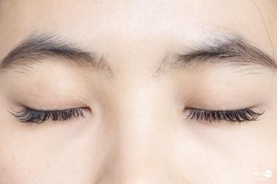 แพ็กเกจต่อขนตา Natural Soft Style สำหรับ 2 ท่าน จาก 4,000 บาท เหลือ 1,090 บาท