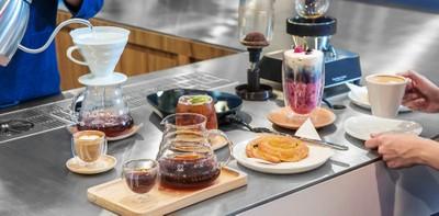 """[รีวิว] """"Blue Chéri"""" ร้านกาแฟพรีเมียมสุดพิถีพิถันกับราคาที่จับต้องได้"""